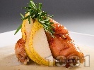 Рецепта Печени пълнени пилешки рулца с плънка от круши и кашкавал под фолио на фурна